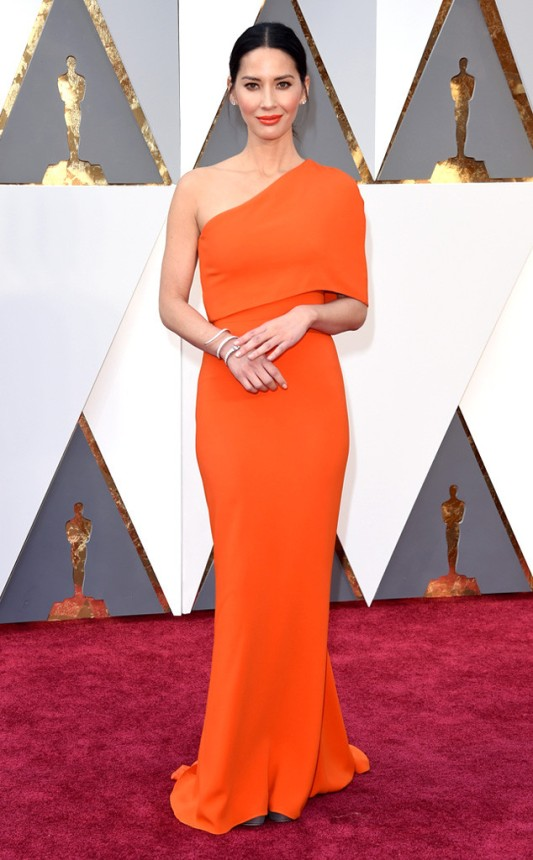 Olivia Munn in Stella McCartney. photo: Jason Merritt/Getty Images