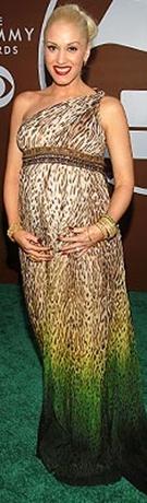 gwen-stefani-maternity-fashion-off-the-shoulder-leopard-print-maxi-dress