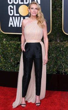 Mandatory Credit: Photo by David Fisher/REX/Shutterstock (10048065ek) Julia Roberts 76th Annual Golden Globe Awards, Arrivals, Los Angeles, USA - 06 Jan 2019